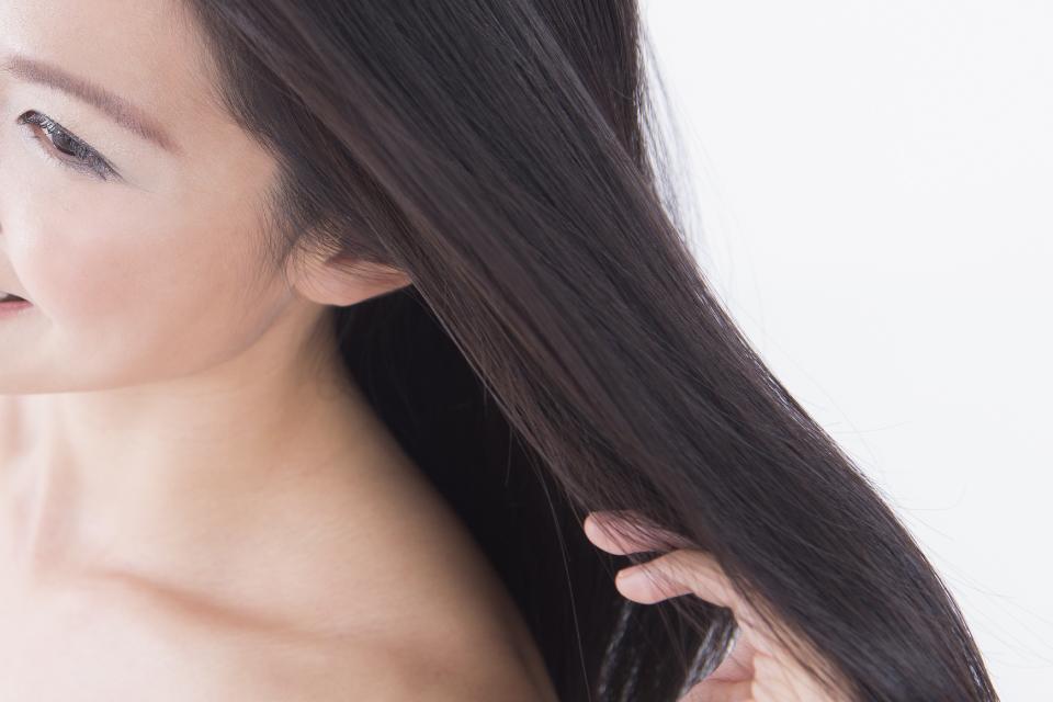 美しい髪の女性