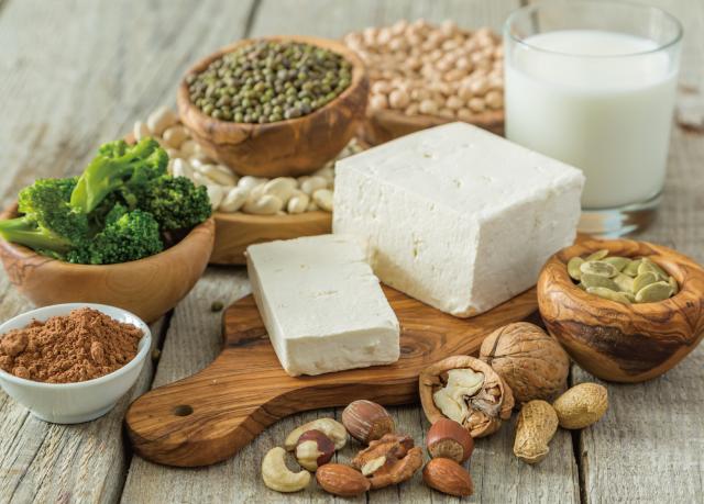 豆腐、クルミ、大豆、穀類、牛乳